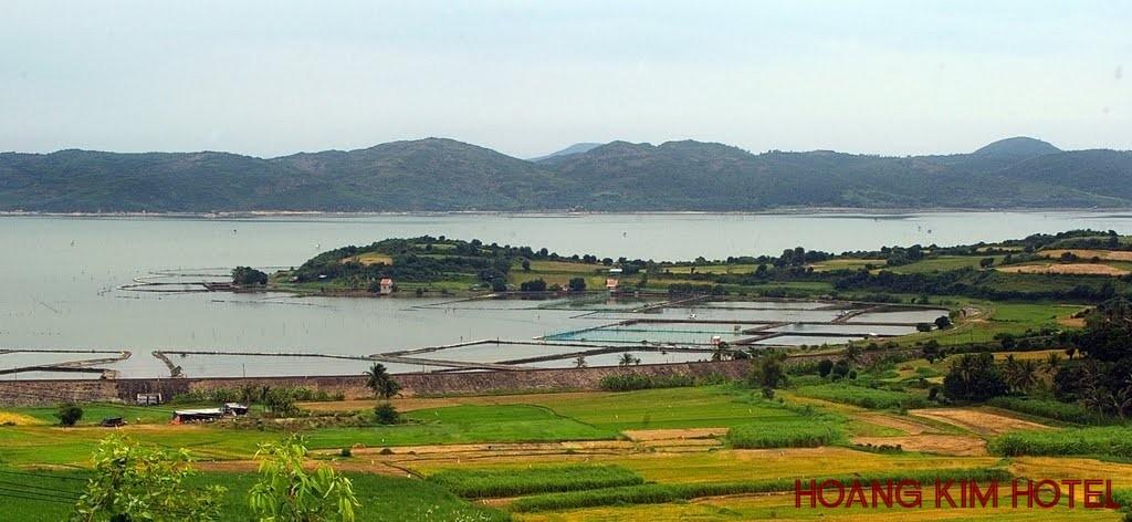 Đầm Ô Loan thuộc huyện Tuy An, Phú Yên